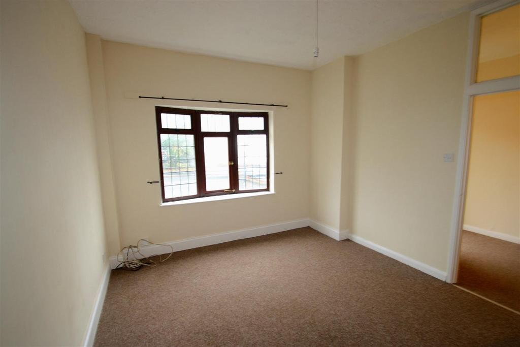 2 Bedrooms Flat for rent in Ashingdon Road, Rochford