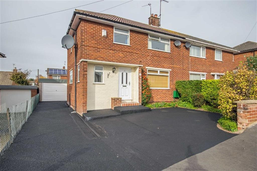 3 Bedrooms Semi Detached House for sale in Moldsdale Road, Mold