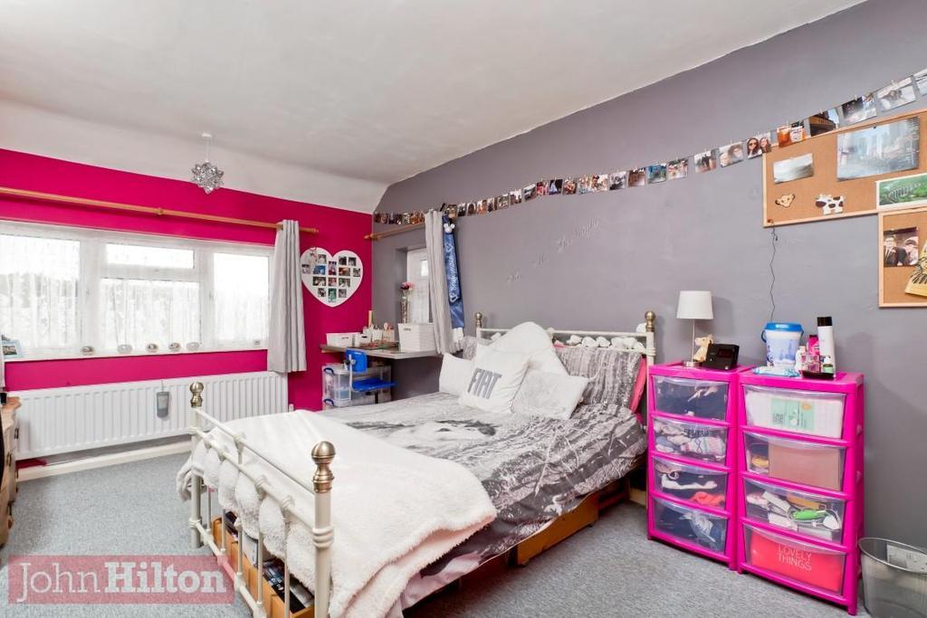 779. Bedroom 1.JPG