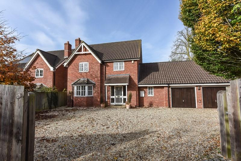 4 Bedrooms Detached House for sale in Red Cottages, East Anton, Andover