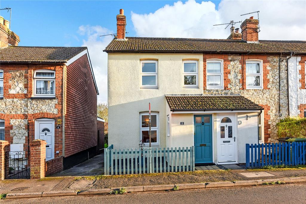 3 Bedrooms End Of Terrace House for sale in Victoria Road, Alton