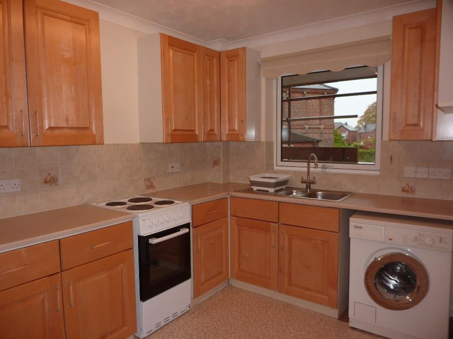 10 Fir Lodge Court, Northallerton   Kitchen.JPG