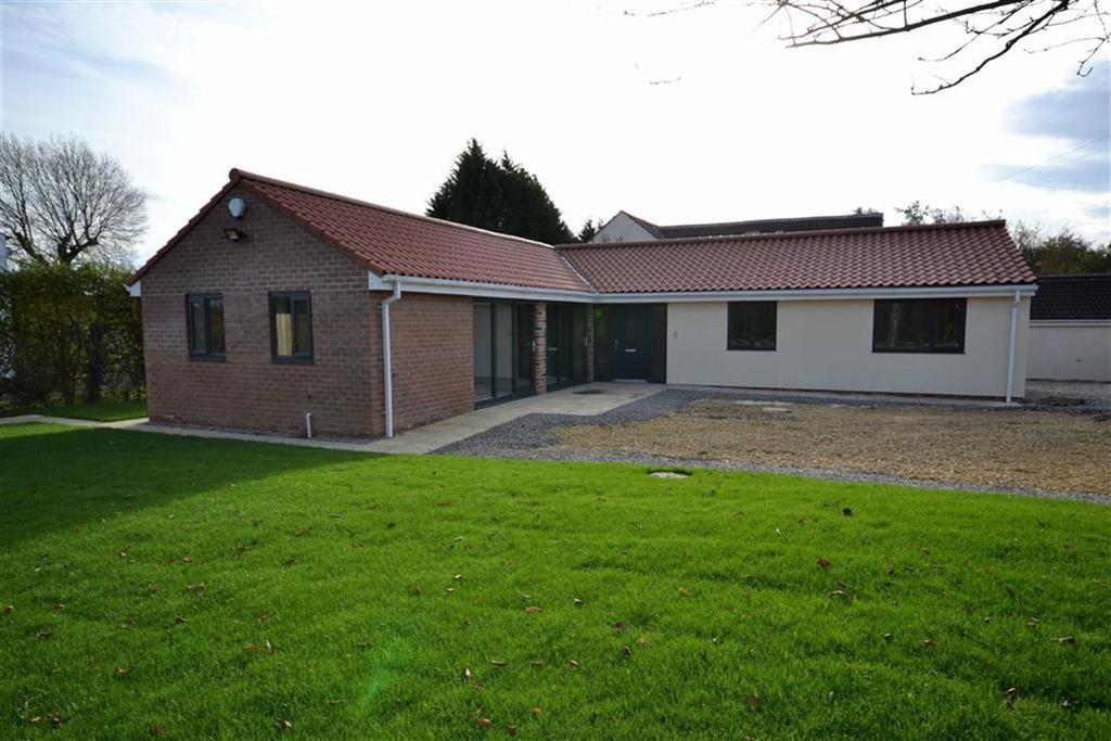 4 Bedrooms Detached Bungalow for sale in Swillington Lane, Swillington, Leeds, LS26