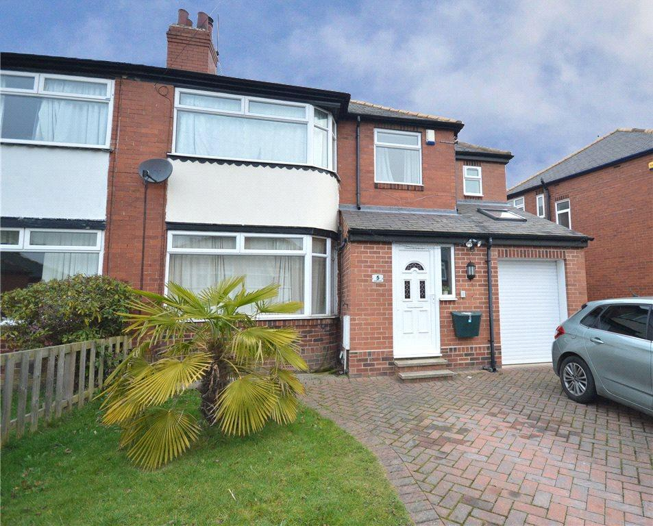 4 Bedrooms Semi Detached House for sale in Stainburn Gardens, Moortown, Leeds, West Yorkshire
