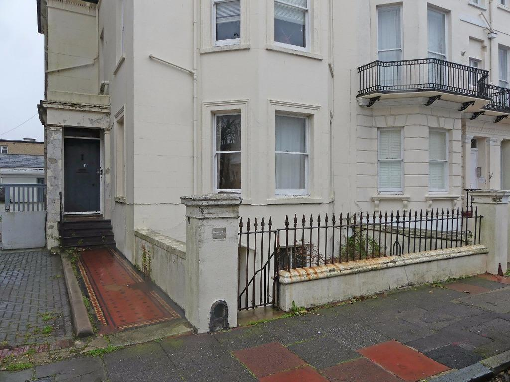 1 Bedroom Flat for sale in Compton Avenue Brighton East Sussex BN1
