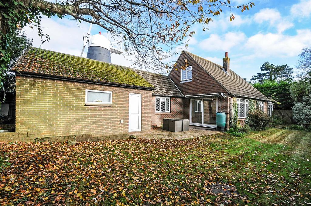 3 Bedrooms Detached House for sale in Yapton Road, Barnham