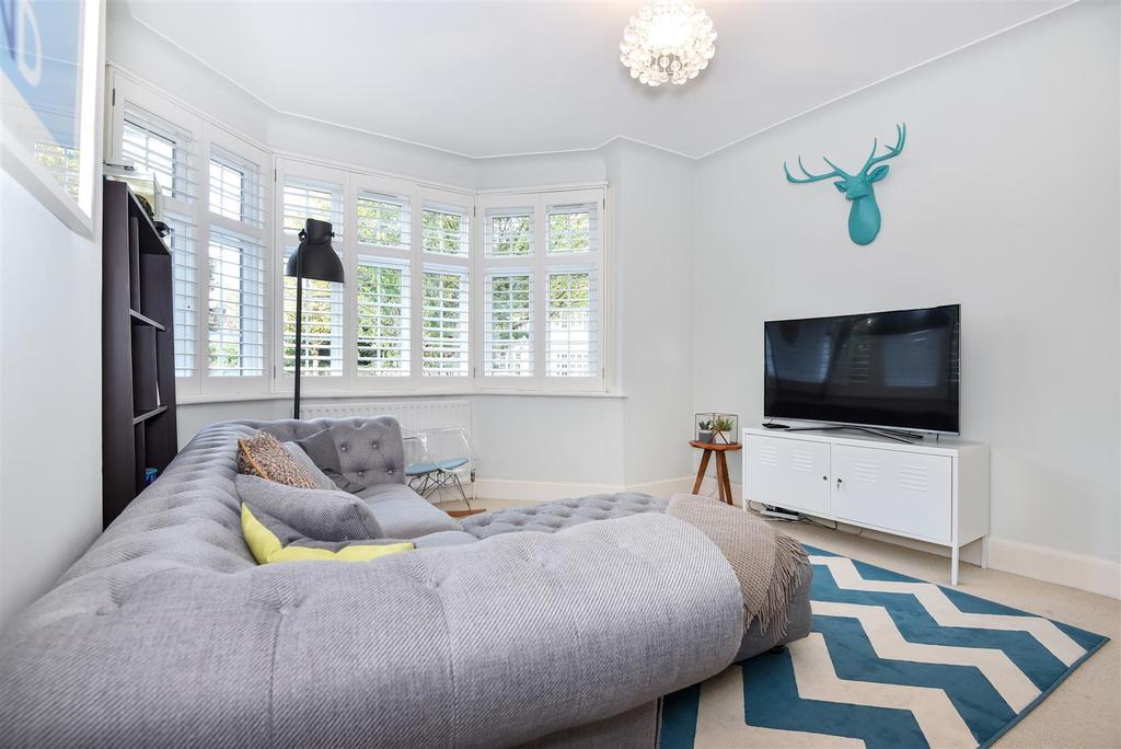 2 Bedrooms Flat for sale in Muirdown Avenue, East Sheen