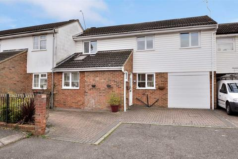3 bedroom terraced house for sale - Saddle Rise, Chelmsford