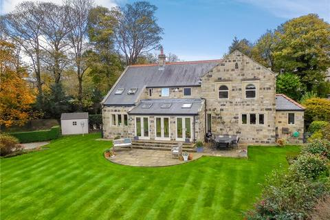 5 bedroom detached house for sale - Cragg House, 4 Chevington Court, Rawdon, West Yorkshire, LS19