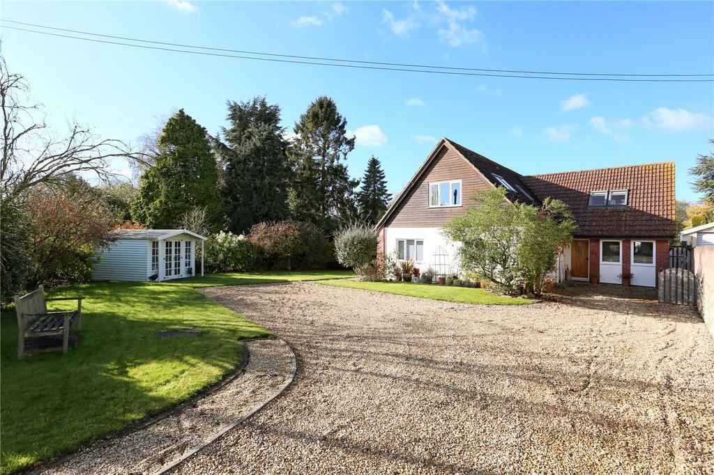 4 Bedrooms Detached House for sale in Kings Road, Market Lavington, Devizes, Wiltshire