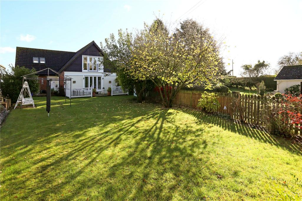 4 Bedrooms Detached House for sale in Kings Road, Market Lavington, Devizes, Wiltshire