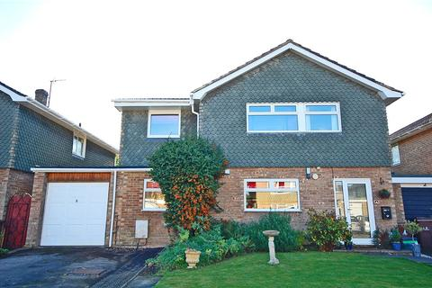 4 bedroom detached house for sale - Chatcombe Close, Charlton Kings, Cheltenham, Gloucestershire, GL53