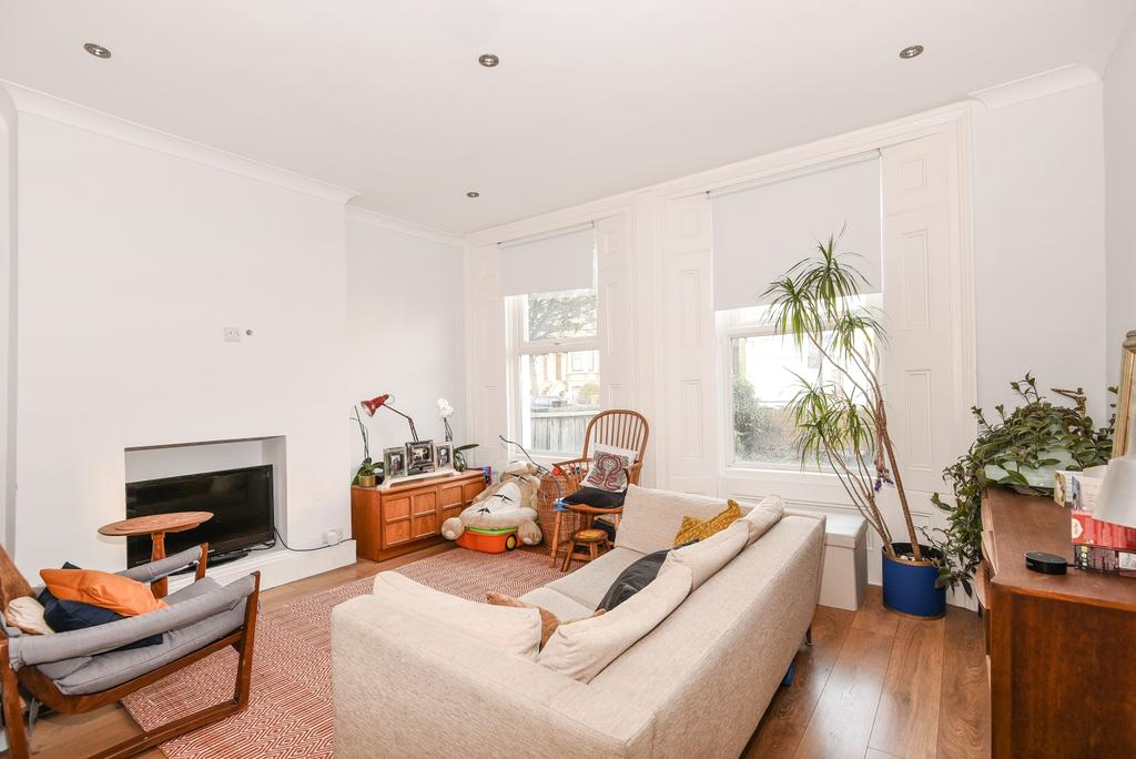 2 Bedrooms Flat for sale in Kent House Road Sydenham SE26
