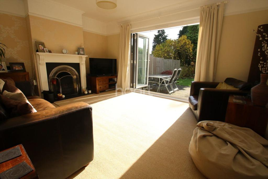 4 Bedrooms Semi Detached House for sale in Sandford Road, Chelmsford