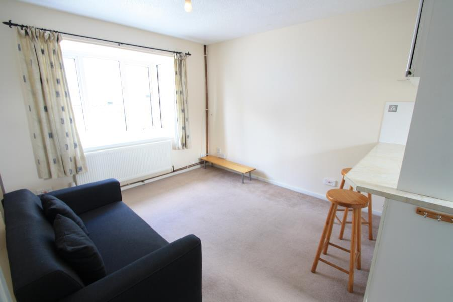 1 Bedroom Apartment Flat for sale in BELLE VUE COURT, LEEDS, LS3 1EU