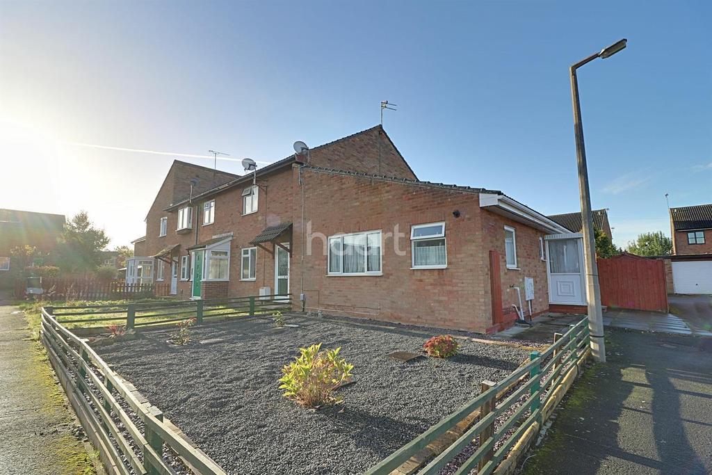 2 Bedrooms Bungalow for sale in Pendennis Road, Swindon, WIltshire