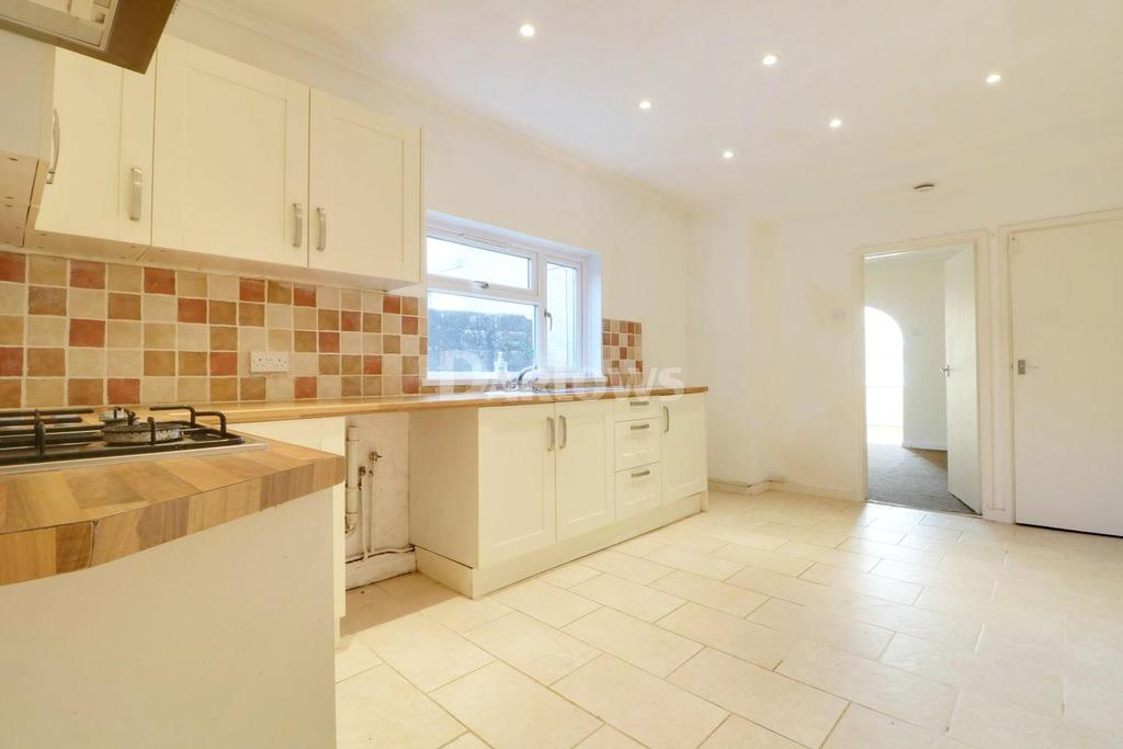 3 Bedrooms Semi Detached House for sale in Tyntyla Rd, Llwynypia