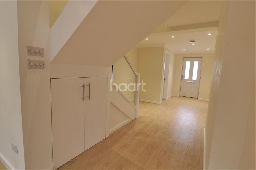 4 Bedrooms End Of Terrace House for sale in Liphook Road, Lindford, Hampshire