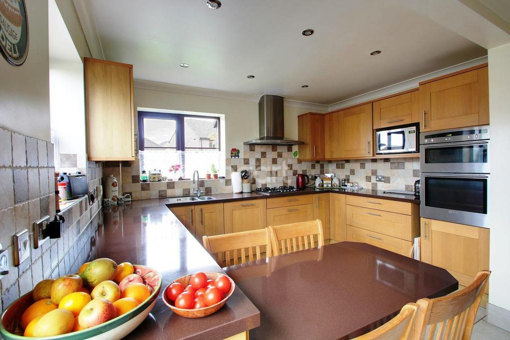 4 Bedrooms Detached House for sale in Canon Woods Way, Kennington, Ashford, TN24 9QY