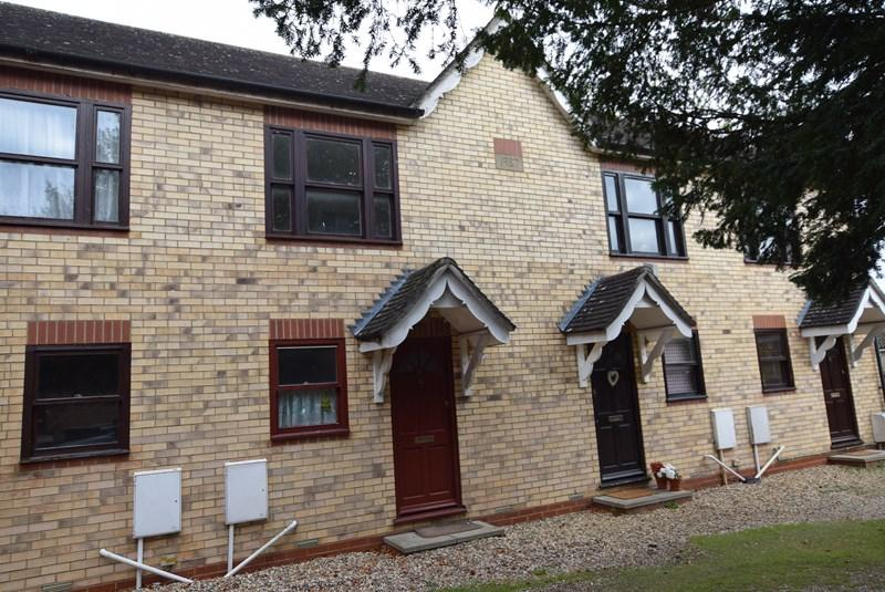 2 Bedrooms Terraced House for sale in Manse Court, Haverhill