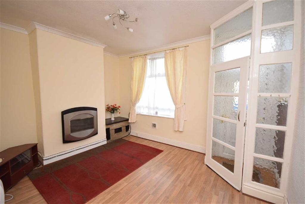 3 Bedrooms Terraced House for sale in Phillips Lane, Colne, Lancashire