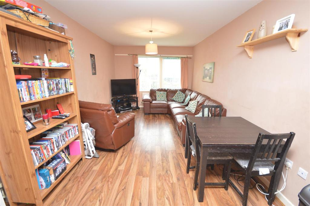 Open Plan Living/Dining Room/Kitchen