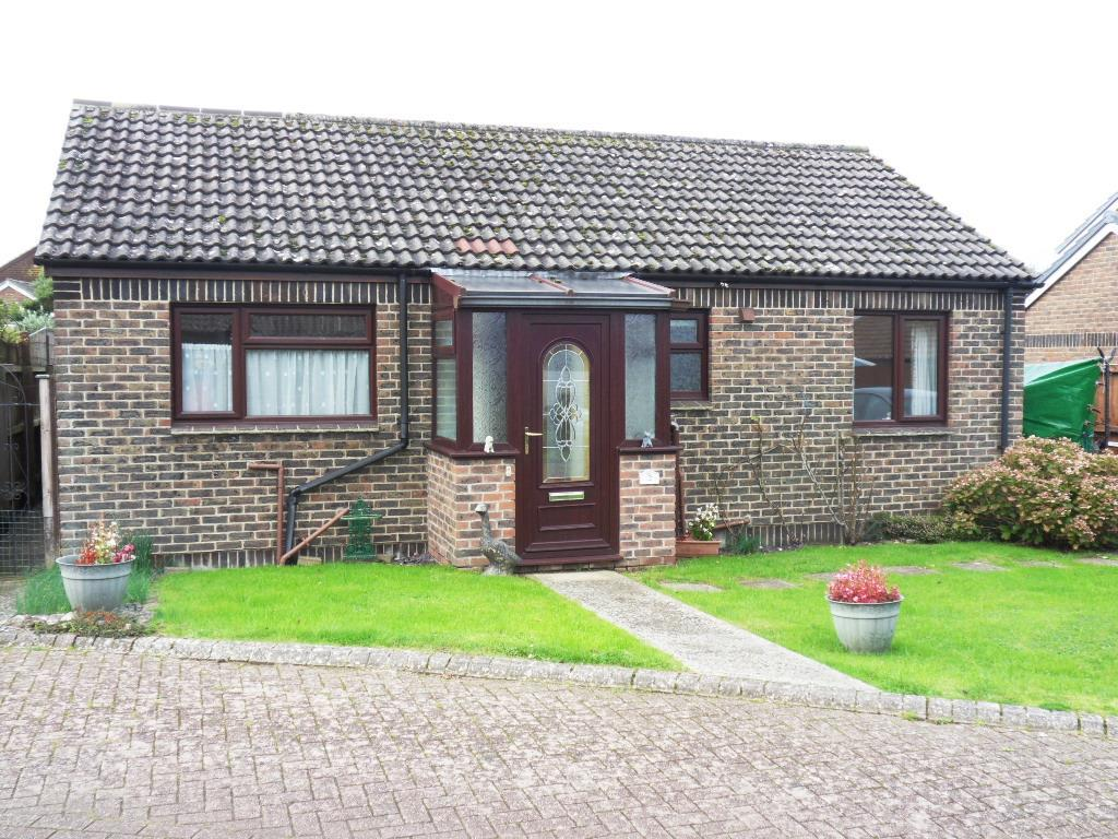 2 Bedrooms Bungalow for sale in Scotts Close, Shalfleet, Newport