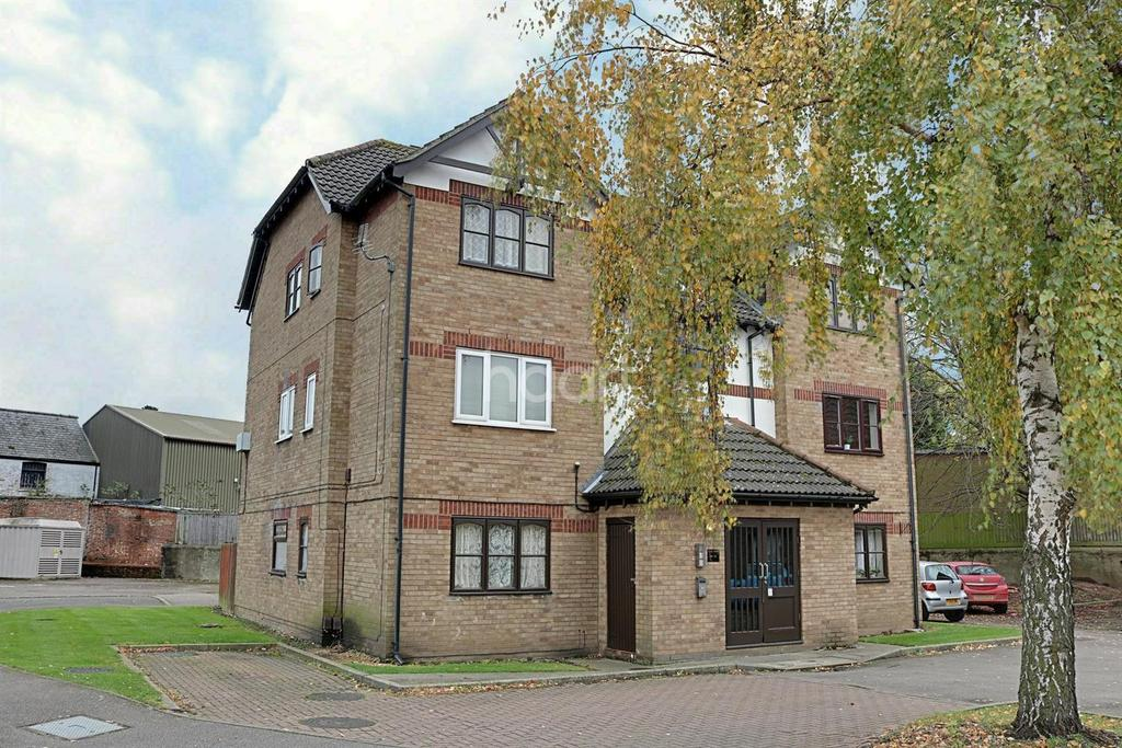 2 Bedrooms Flat for sale in Mill Close, Wisbech