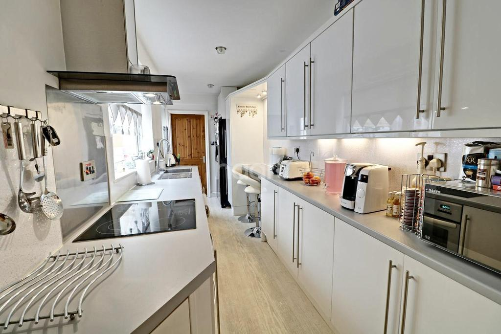 3 Bedrooms Terraced House for sale in Richmond Terrace, BS11