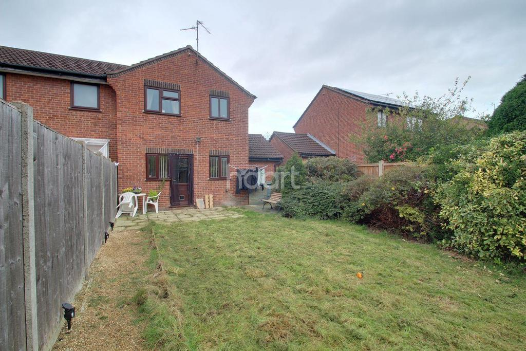 3 Bedrooms Semi Detached House for sale in Fraser Close, Deeping St James, PE6 8QL