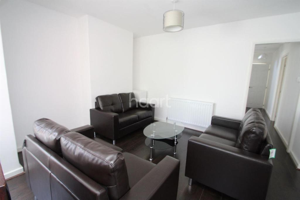 6 Bedrooms Detached House for sale in Chequers Yard, Hucknall