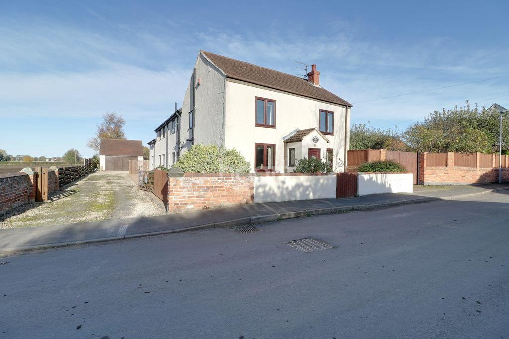 4 Bedrooms Detached House for sale in Graizelound, Haxey, Doncaster