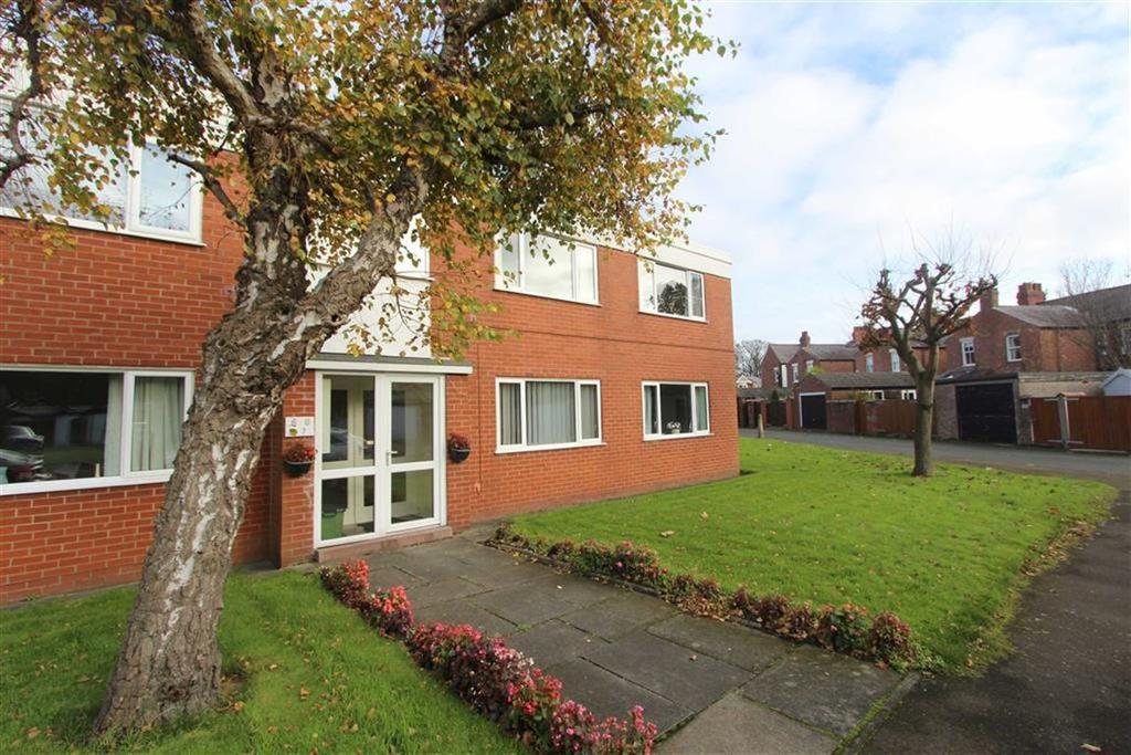 2 Bedrooms Apartment Flat for sale in Mythop Close, Lytham St Annes, Lancashire