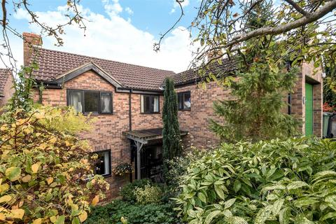 3 bedroom detached house for sale - Brogden Close, West Oxford