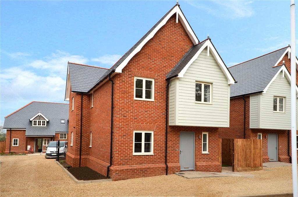 3 Bedrooms Detached House for sale in Ware Road, Widford, Ware, Hertfordshire, SG12