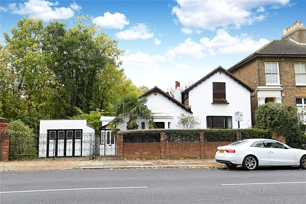 4 Bedrooms Detached House for sale in Wellesley Road, London, W4