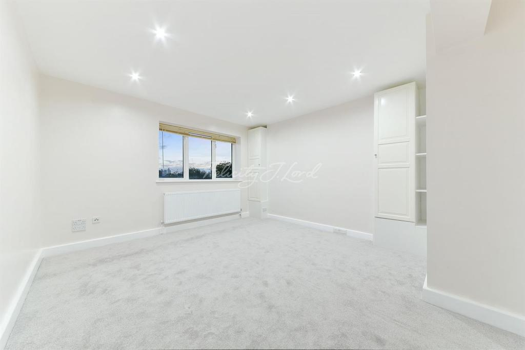 Studio Flat for sale in Tasker House, E14
