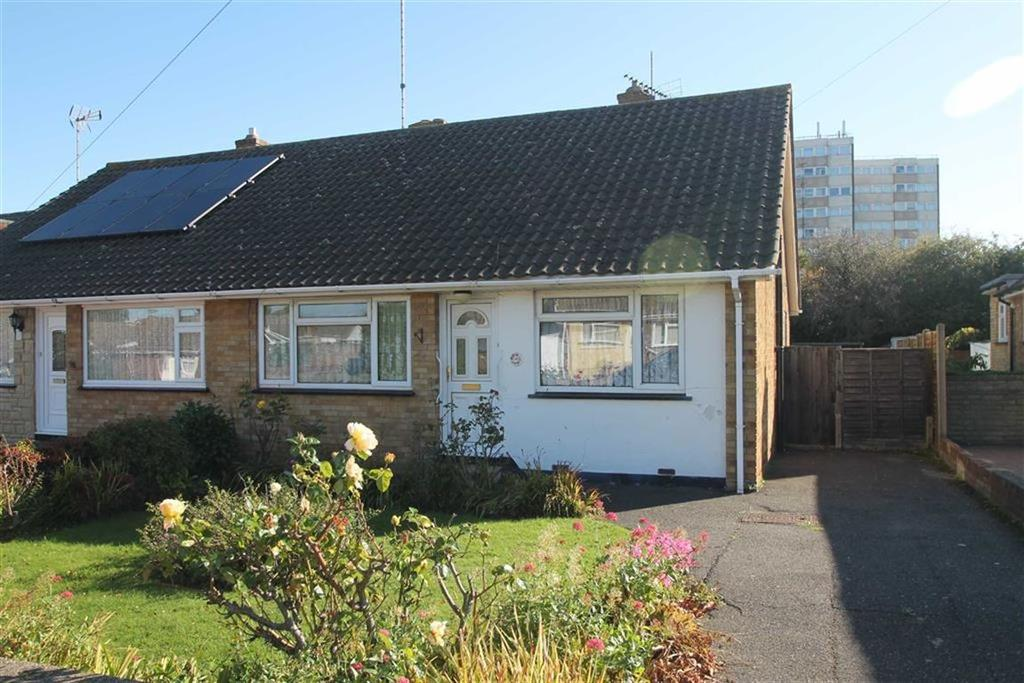 2 Bedrooms Bungalow for sale in Pinewood Avenue, Leigh On Sea, Essex