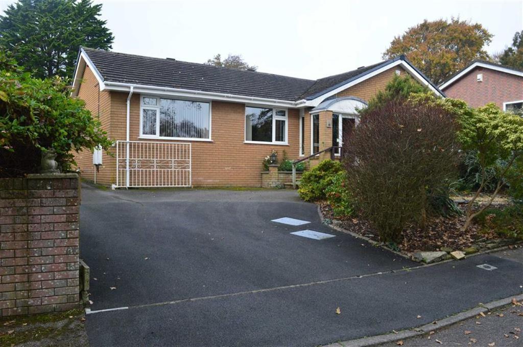 3 Bedrooms Detached Bungalow for sale in Highland View Close, Wimborne, Dorset
