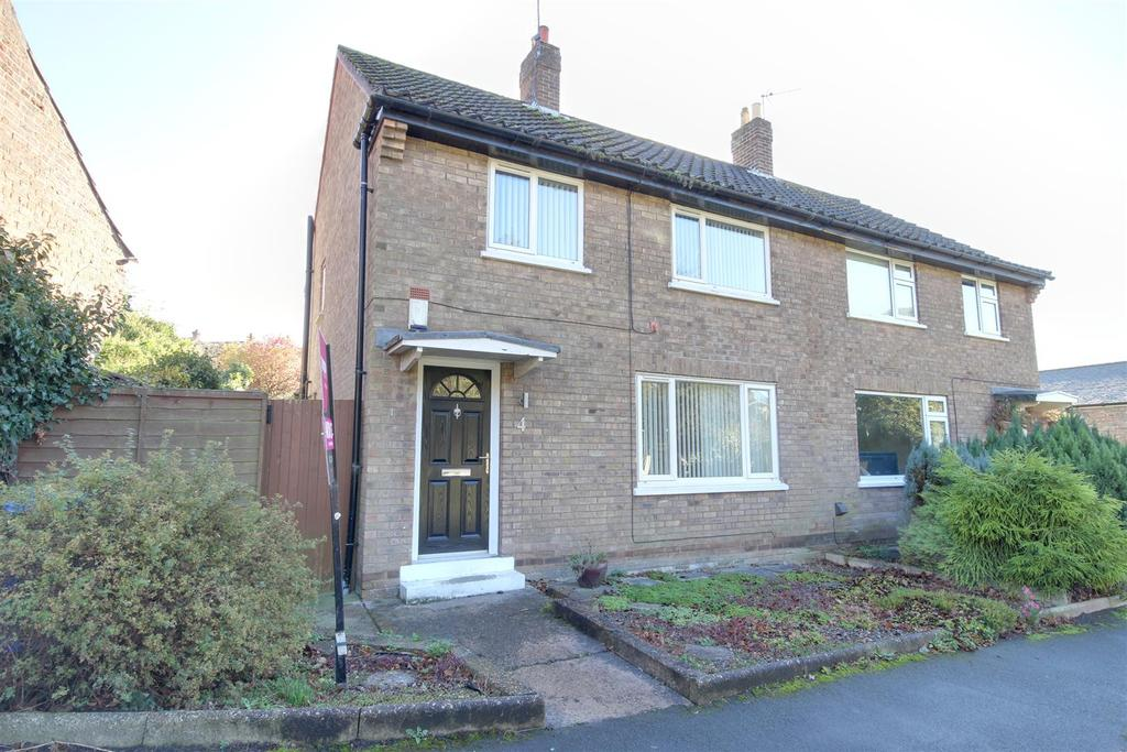 3 Bedrooms Semi Detached House for sale in Chapel Hill, Welton, Brough