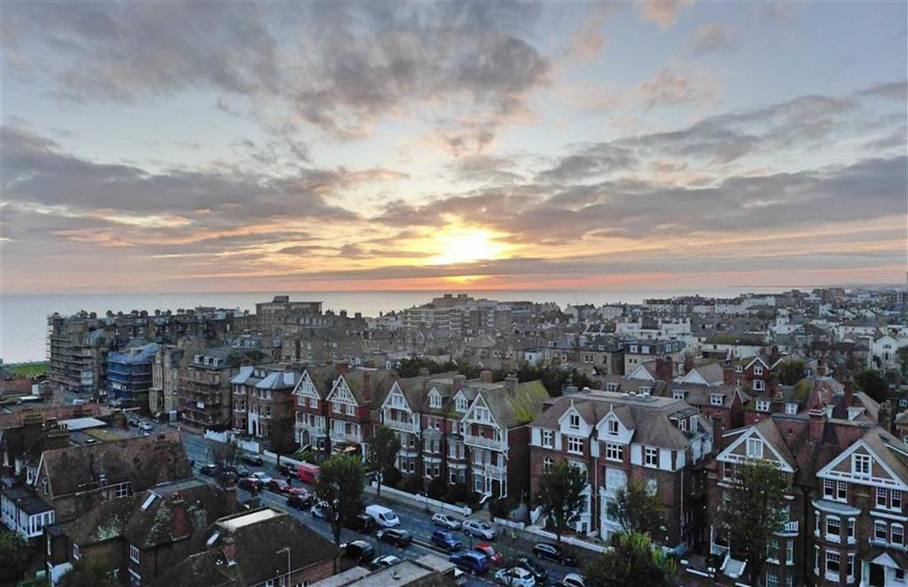 Studio Flat for sale in Coombe Lea, Hove, East Sussex