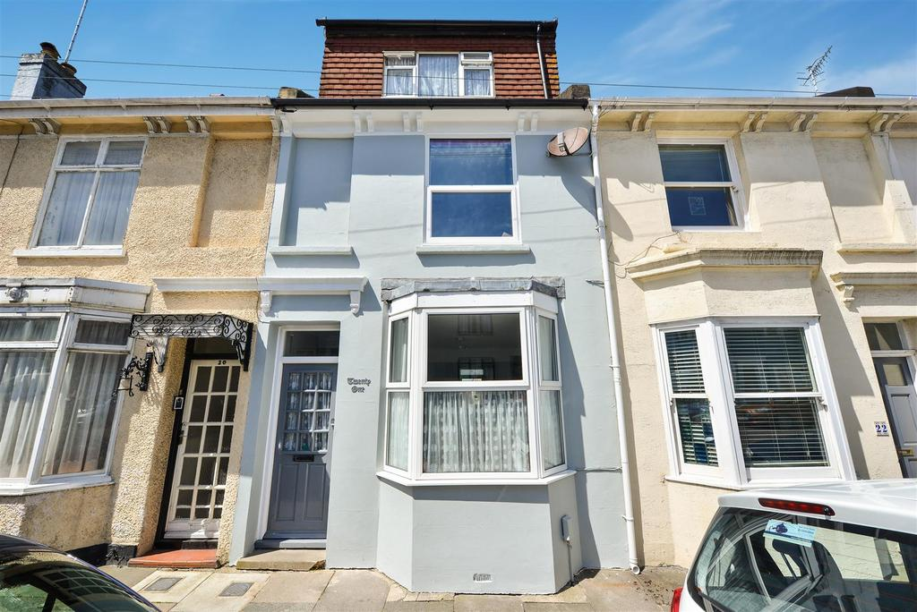 4 Bedrooms Terraced House for sale in Hampden Road