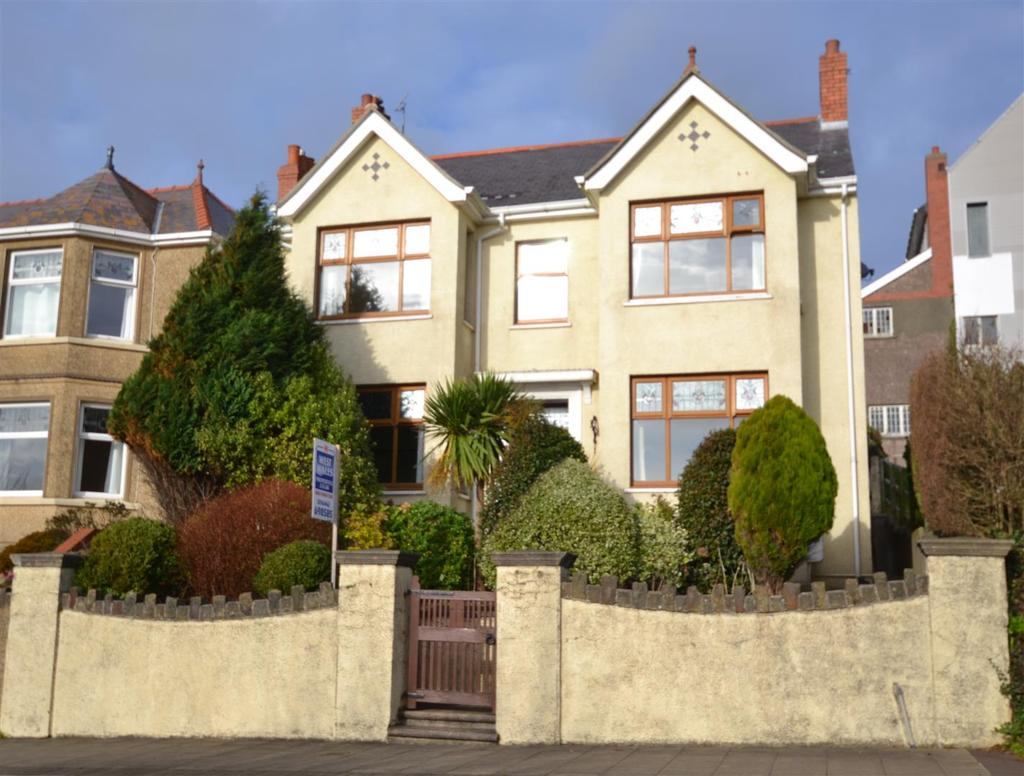 Hamilton terrace milford haven 4 bed detached house for for 21 hamilton terrace