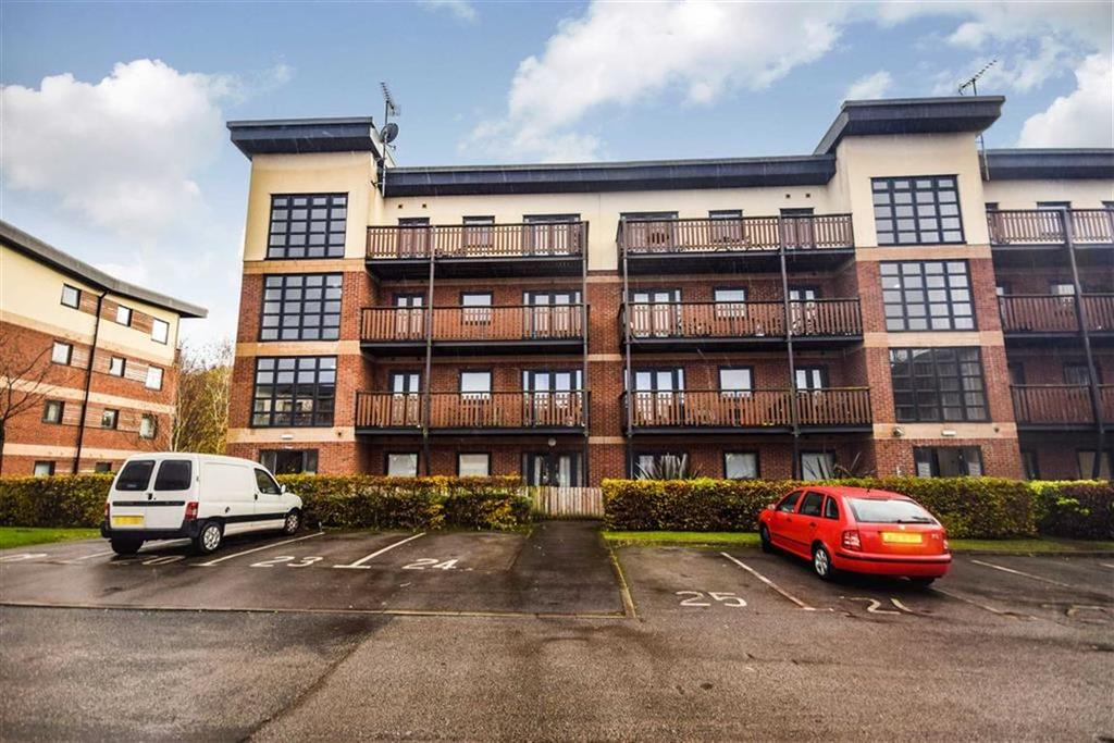 2 Bedrooms Apartment Flat for rent in Canalside, Radcliffe