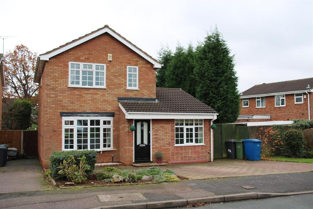 3 Bedrooms Detached House for sale in Loughshaw, Wilnecote, Tamworth