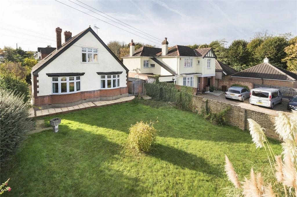 4 Bedrooms Chalet House for sale in Edwin Road, Rainham, Kent