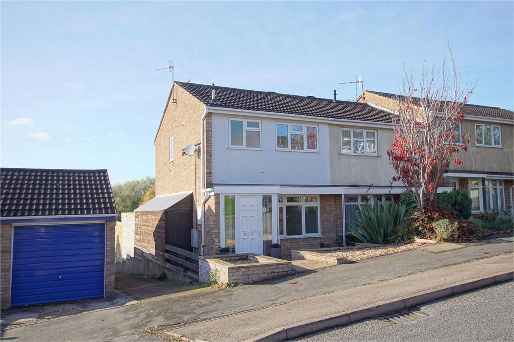 3 Bedrooms Semi Detached House for sale in Deansway, Woodloes Park, Warwick