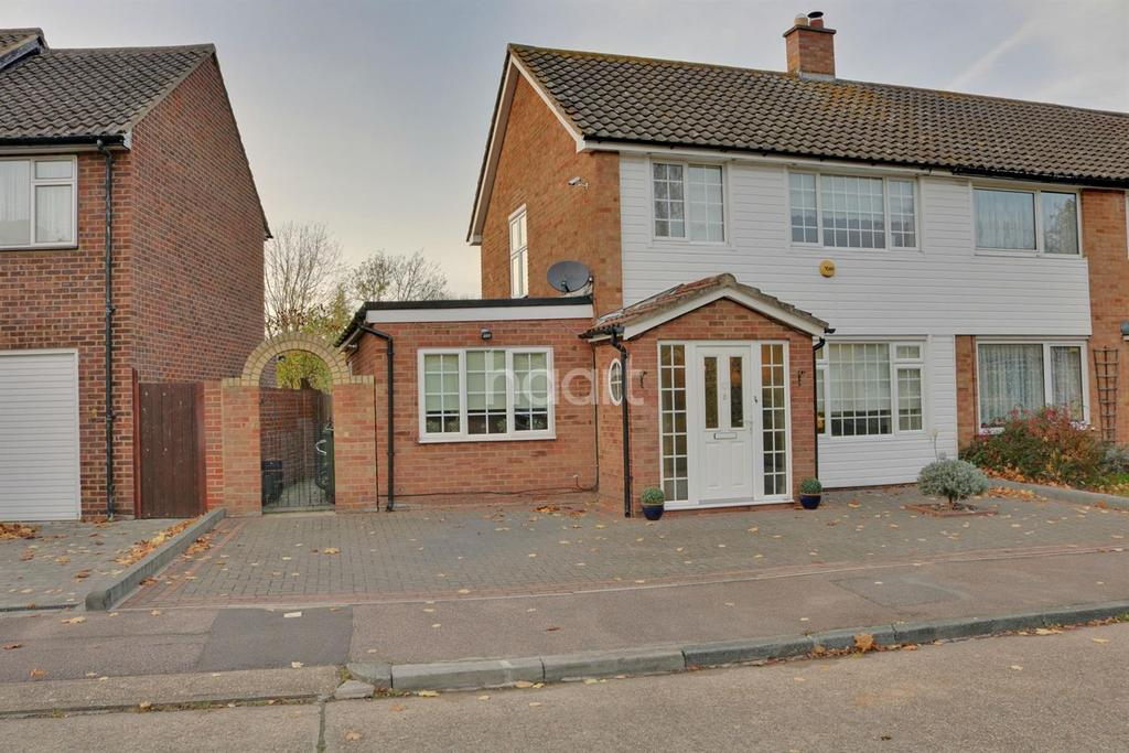 3 Bedrooms Semi Detached House for sale in Ravensdale