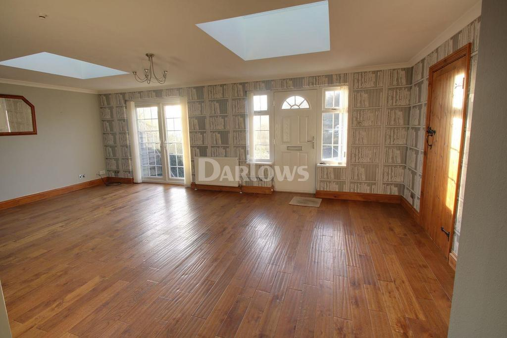 3 Bedrooms Detached House for sale in Jubilee Road, Six Bells, Abertillery, Gwent