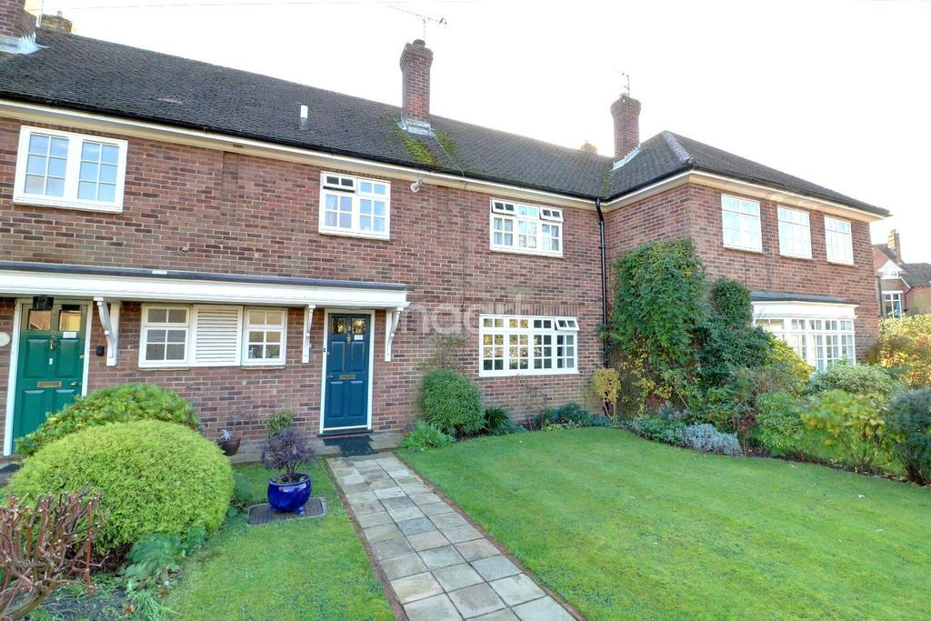 3 Bedrooms Terraced House for sale in Herne Court, Heath Rd